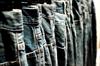 Mẹo giữ quần jean luôn mới